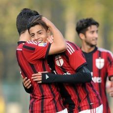 """Вопрос перспективы: есть ли будущее в """"Милане"""" у Хашима Мастура?"""