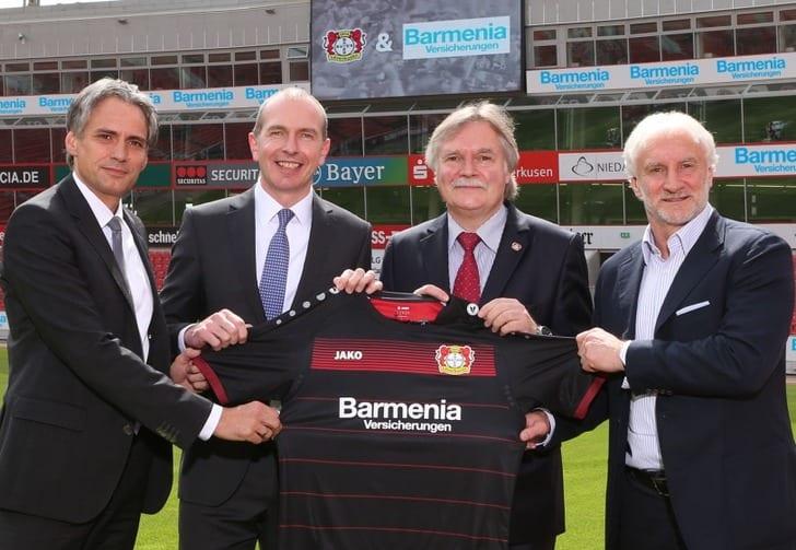"""Представление нового титульного спонсора """"Байера"""", фото с официального сайта клуба"""