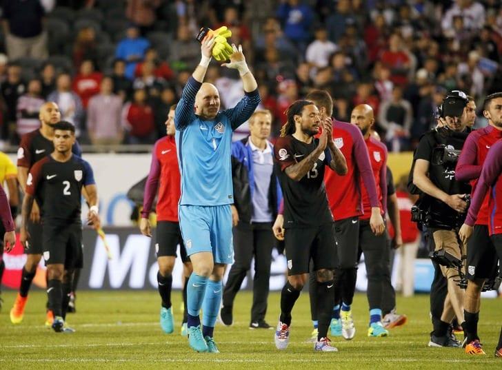 Футболисты сборной США после финального свистка / Getty Images