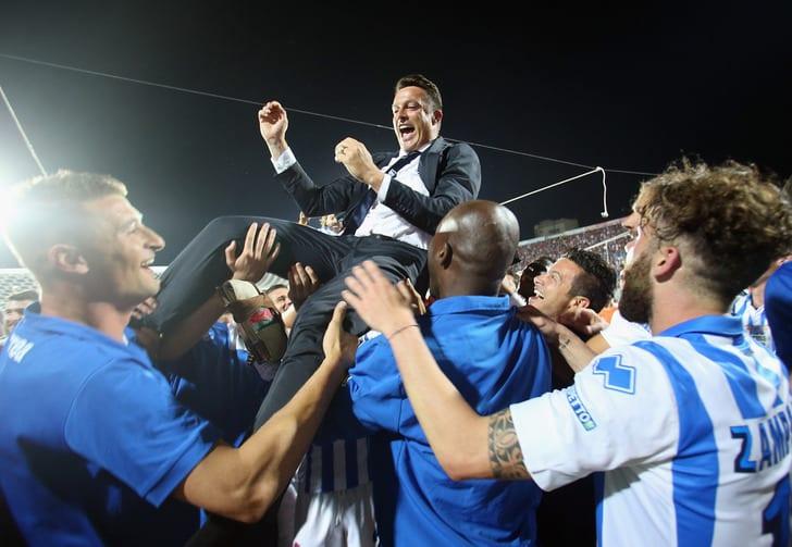"""Футболисты """"Пескары"""" празднуют выход в Серию А / Getty Images"""