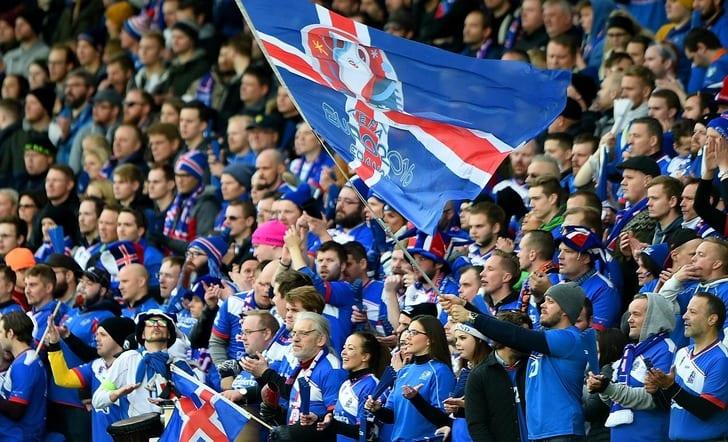 Исландские болельщики / Getty Images
