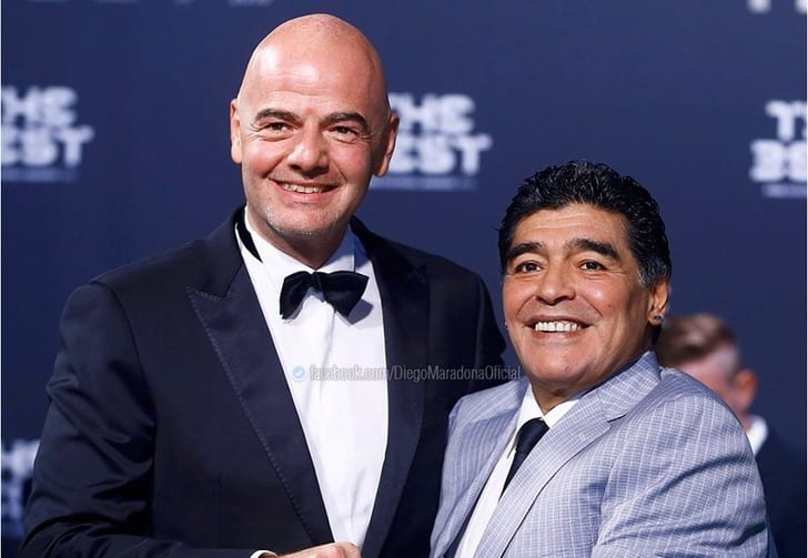 Марадона официально стал сотрудником ФИФА