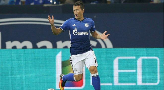 «Шальке» хочет выкупить контракт украинского полузащитника Коноплянки
