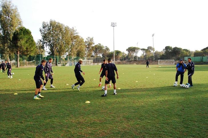 Одесский «Черноморец» был дополнен еще четырьмя футболистами, втом числе— одесситом