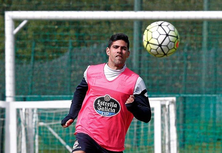 Защитник «Депортиво» Хуанфран Морено не хочет переходить в«Барселону»