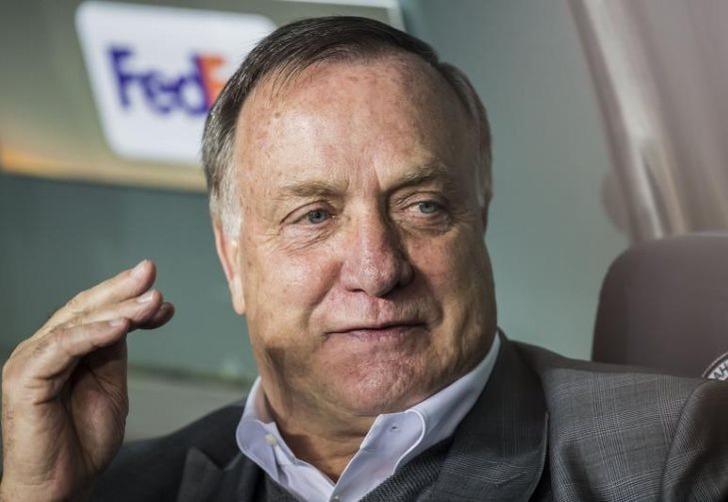 Экс-тренер «Зенита» Дик юрист объявил озавершении карьеры вфутболе
