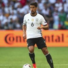 Хедира назначен капитаном сборной Германии на матч против Азербайджана