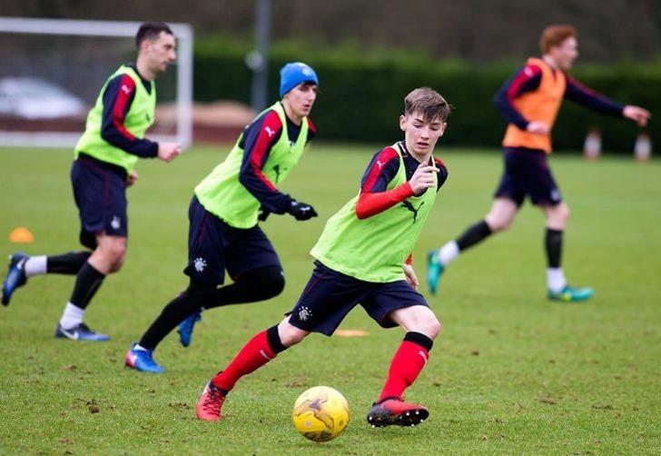 Челси готов потратить полмиллиона фунтов на15-летнего футболиста изШотландии