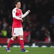 """Озил прокомментировал ситуацию касательно продления контракта с """"Арсеналом"""""""