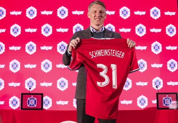 Экс-игрока «Манчестер Юнайтед» Швайнштайгера представили вЧикаго