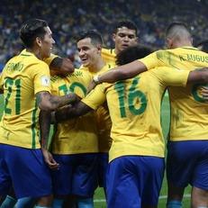 Бразилия уверенно обыграла Парагвай