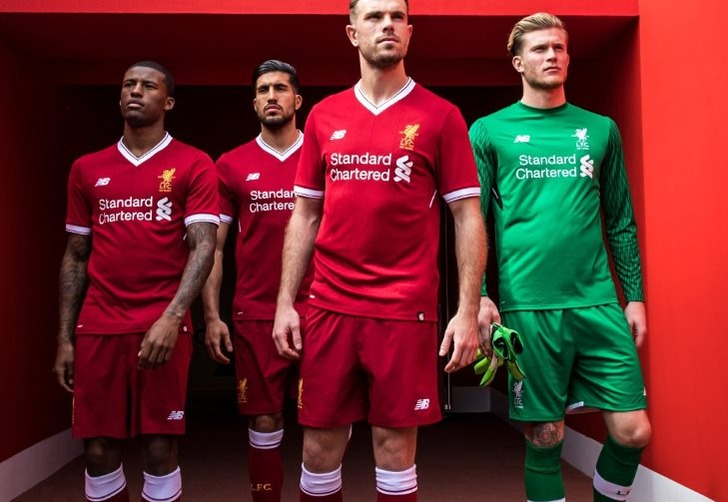 "Новая форма ""Ливерпуля""; фото: твиттер New Balance Football"