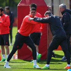 """Байи, Смоллинг и Джонс вернулись к тренировкам """"Ман Юнайтед"""""""