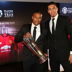 Валенсия назван лучшим игроком МЮ по версии футболистов