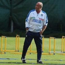В состав сборной Италии на матчи против Уругвая и Лихтенштейна внесены три изменения