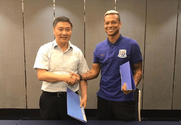 Фреди Гуарин (справа), Shanghai Shenhua FC