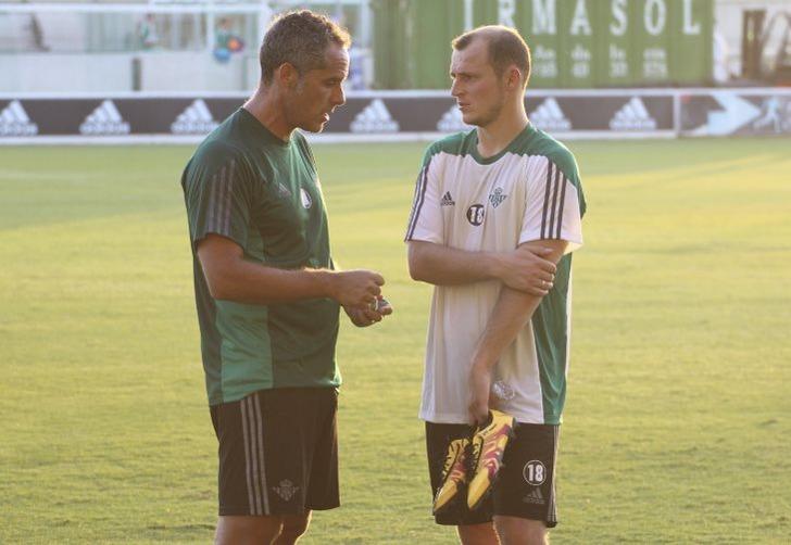 Роман Зозуля (справа), football24.ua