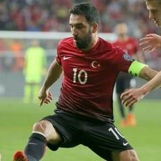 Луческу хочет вернуть Турана в сборную Турции