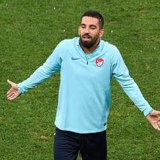 Арда Туран решил возобновить карьеру в сборной Турции