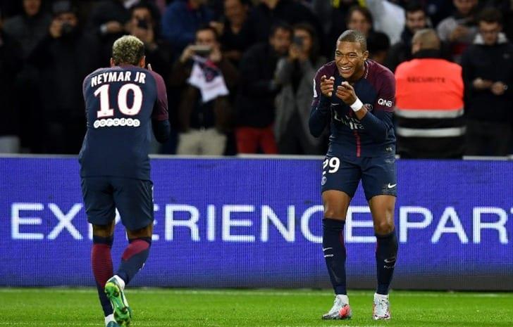 Лига 1. «ПСЖ» одержал победу у«Лиона» благодаря двум автоголам гостей