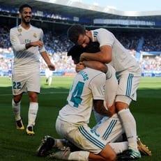 """""""Реал Мадрид"""" набрал три очка против """"Алавеса"""" благодаря дублю Себальоса"""