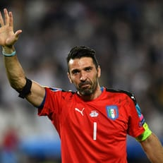 Буффон может побить рекорд сборной Италии