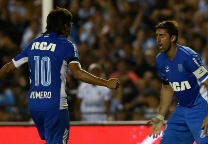 """Оскар Ромеро и Диего Милито отчечают гол в ворота """"Депортиво Кали"""", Nexogol"""