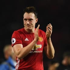 """""""Манчестер Юнайтед"""" предлагает новый контракт Джонсу"""