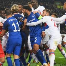 """УЕФА накажет """"Эвертон"""" за поведение фанатов"""