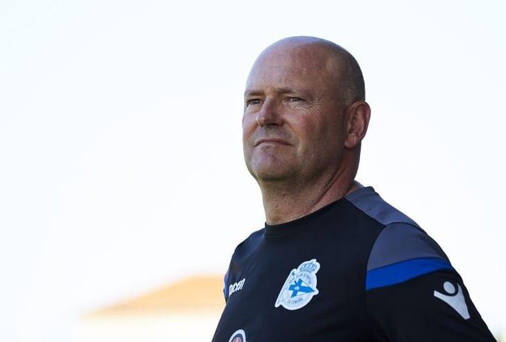 «Депортиво» остался без основного тренера