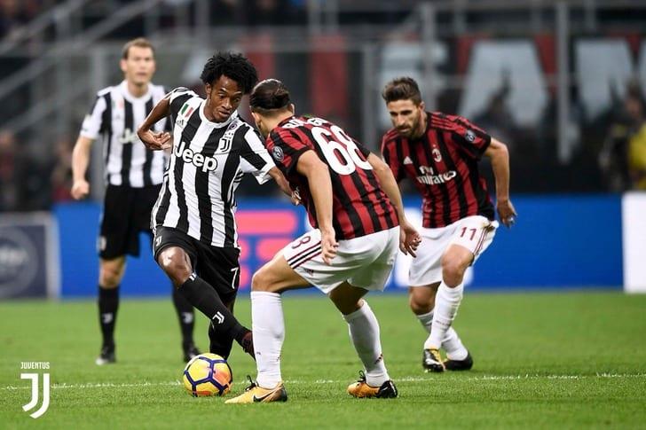 Туринский «Ювентус» победил 2:0 «Милан» вчемпионате Италии на«Сан Сиро»