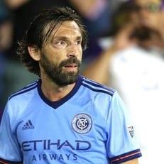 Андреа Пирло в 38-летнем возрасте решил закончить карьеру футболиста