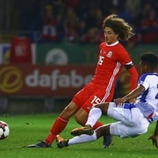 Ампаду впервые вышел в старте сборной Уэльса