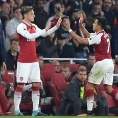 """Венгер ещё не знает, останутся ли Озил и Санчес в """"Арсенале"""""""