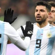 Агуэро вошел в тройку бомбардиров сборной Аргентины