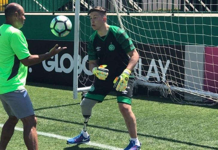 Вратарь Шапекоэнсе провел первую тренировку после ампутации ноги