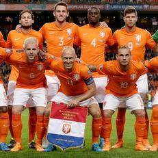 Четверо футболистов сборной Голландии пропустят матчи из-за травм