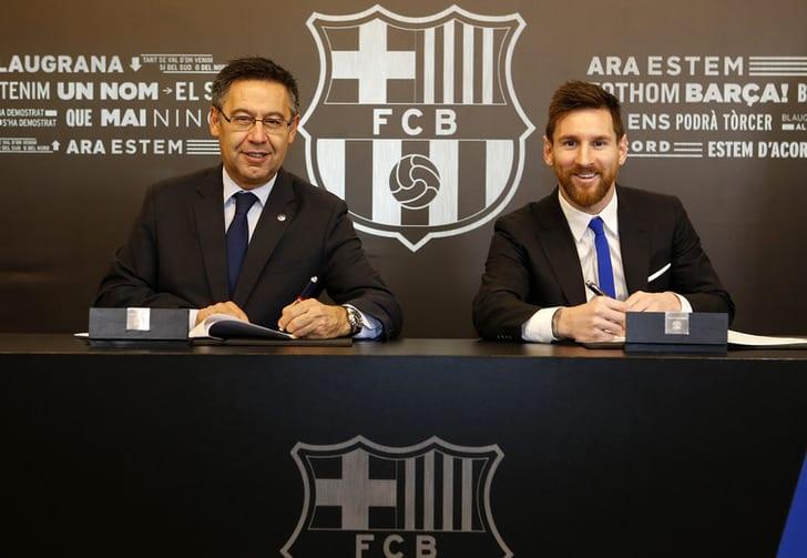 Отступные в700 млн евро: Месси продлил договор с«Барселоной»