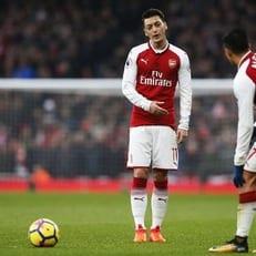 "Венгер: ""Озил и Санчес останутся в ""Арсенале"" как минимум до конца сезона"""