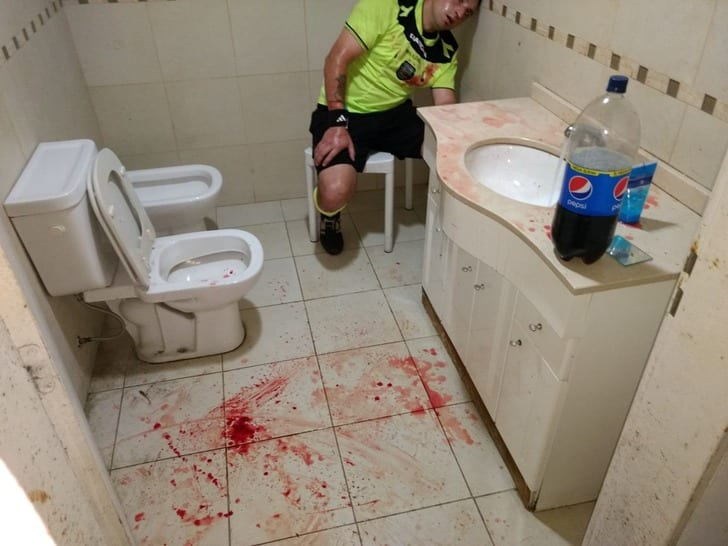 Аргентинский клуб отправили впятый дивизион за беспощадное избиение арбитров
