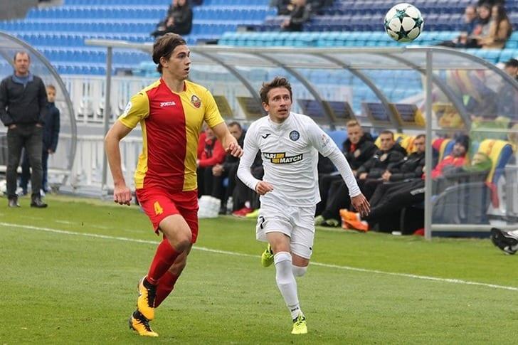 Защитник Шахтера присутствует напросмотре вклубе изтоп-4 чемпионата Чехии