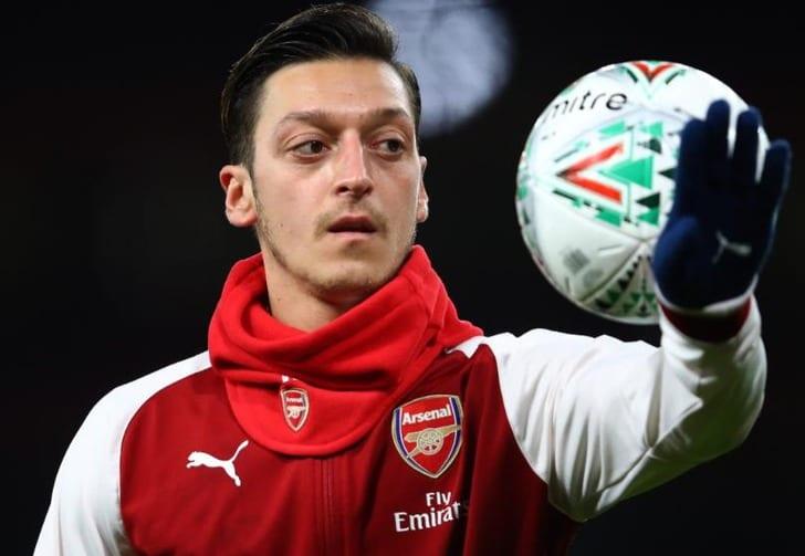 Озил продлил договор с«Арсеналом» до 2021-ого