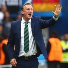 О'Нил продлил контракт со сборной Северной Ирландии