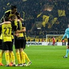 """Батшуайи в компенсированное время приносит победу Дортмунду над """"Аталантой"""""""
