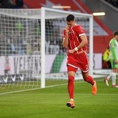 """""""Бавария"""" вырвала победу у """"Вольфсбурга"""""""