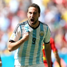 Игуаин вызван в сборную Аргентины, Дибала - нет