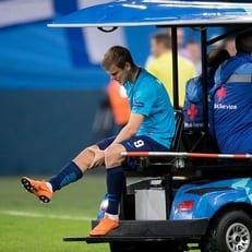 Александр Кокорин получил травму крестообразных связок колена
