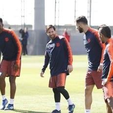"""Месси, Тер Штеген и Пике вернулись к тренировкам """"Барселоны"""""""