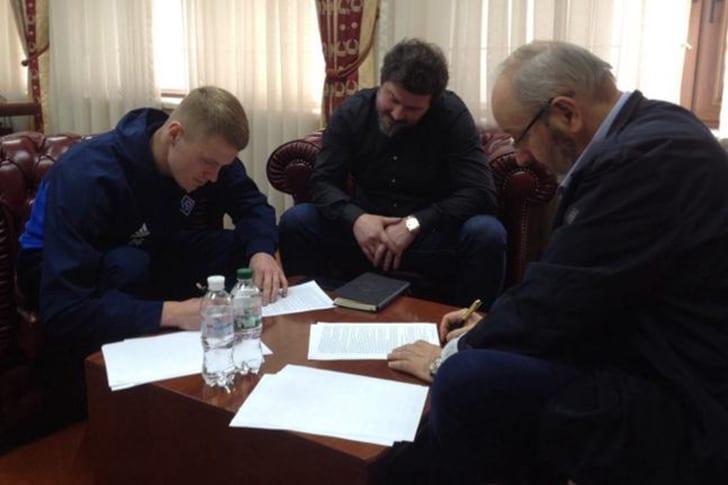 Никита Бурда (слева), fcdynamo.kiev.ua
