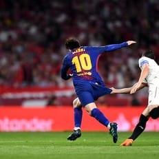 """Месси забивает 40 и больше голов за """"Барселону"""" девять сезонов кряду"""